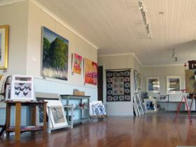 Tamar Valley Art Shack - Carnarvon Accommodation