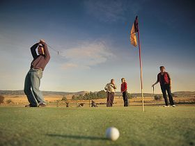 Ratho Farm  Golf - Carnarvon Accommodation