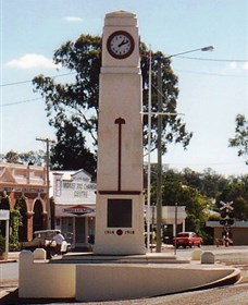 Goomeri War Memorial Clock - Carnarvon Accommodation