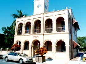 Mackay Town Hall - Carnarvon Accommodation