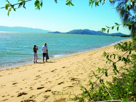 Bushland Beach - Carnarvon Accommodation