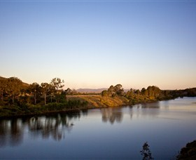 Lake Wivenhoe - Carnarvon Accommodation