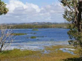 Lake Barfield - Carnarvon Accommodation