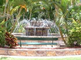 Bauer and Wiles Memorial Fountain - Carnarvon Accommodation