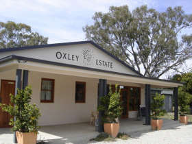 Ciavarella Oxley Estate Winery - Carnarvon Accommodation