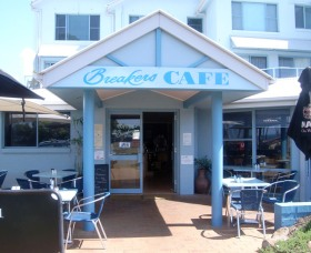 Breakers Cafe and Restaurant - Carnarvon Accommodation