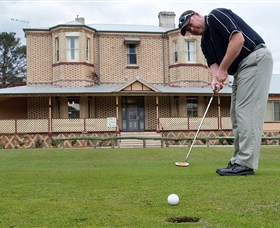 Lithgow Golf Club - Carnarvon Accommodation