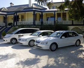 Highlands Chauffeured Hire Cars Tours - Carnarvon Accommodation