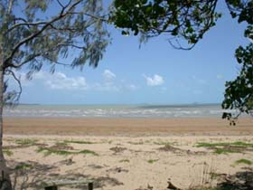Armstrong Beach - Carnarvon Accommodation