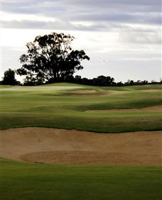 Black Bull Golf Club - Carnarvon Accommodation
