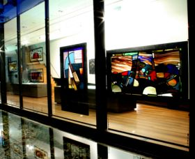 National Art Glass Collection - Carnarvon Accommodation