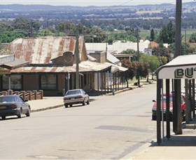 Gulgong Symbol Trail - Carnarvon Accommodation