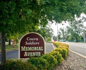 Memorial Avenue in Cowra - Carnarvon Accommodation
