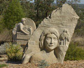 Heritage Sculptures at Pensioners Hill Lookout - Carnarvon Accommodation