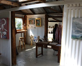 Tin Shed Gallery - Carnarvon Accommodation