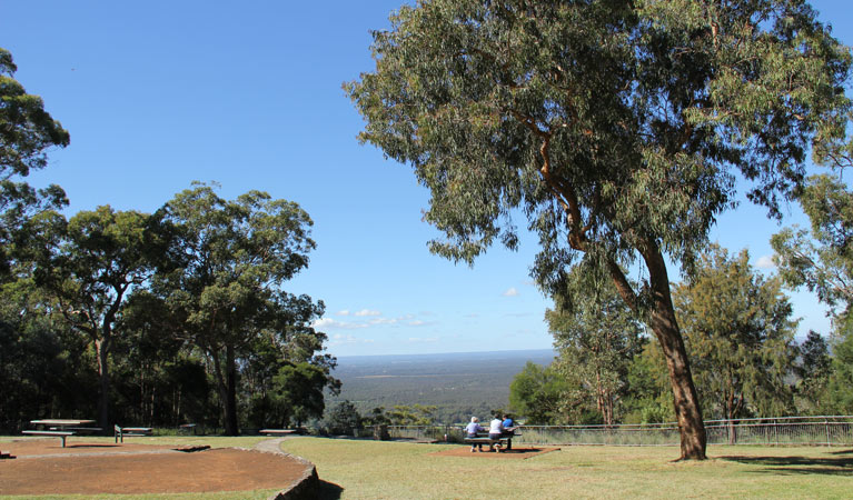 Hawkesbury lookout - Carnarvon Accommodation