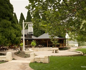 Bendooley Estate Book Barn - Carnarvon Accommodation