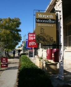 Morpeth Wine Cellars and Moonshine Distillery - Carnarvon Accommodation