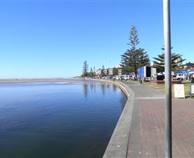 The Entrance Coast to Lake Walk - Carnarvon Accommodation