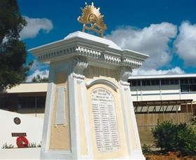 Beenleigh War Memorial - Carnarvon Accommodation