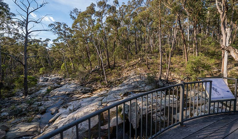 Myanba Gorge walking track - Carnarvon Accommodation