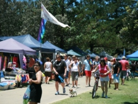 Burleigh Art and Craft Markets - Carnarvon Accommodation