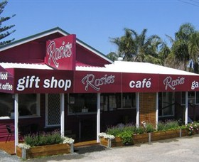 Rosies Cafe and Gallery - Carnarvon Accommodation