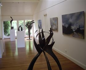 Ivy Hill Gallery - Carnarvon Accommodation