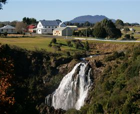 Waratah Falls - Carnarvon Accommodation
