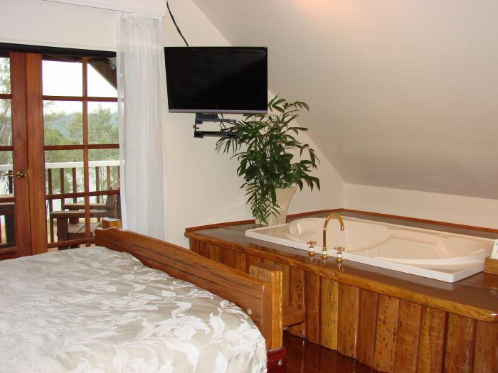 Clarence River Bed and Breakfast - Carnarvon Accommodation