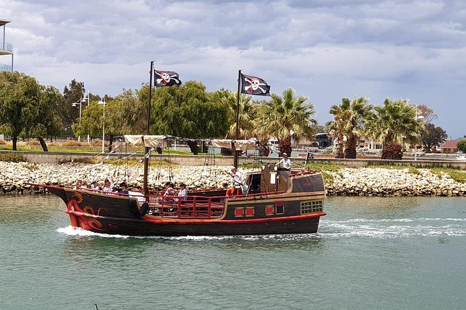 The Pirate Cruise - Carnarvon Accommodation