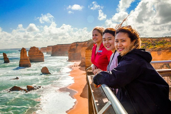 4-Day Melbourne Tour City Sightseeing Great Ocean Road and Phillip Island - Carnarvon Accommodation