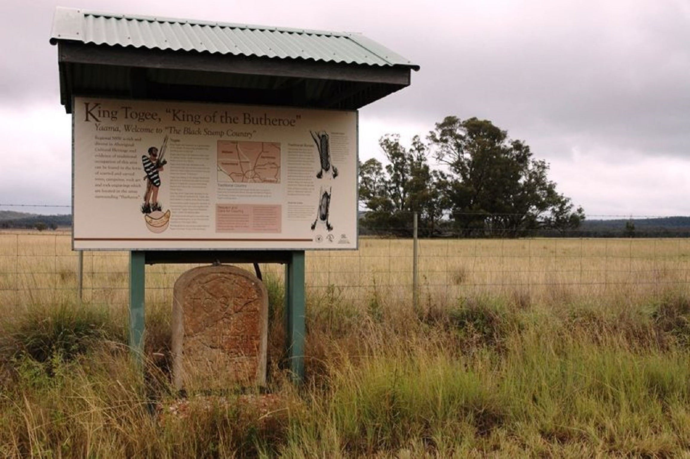 King Togees Grave - Carnarvon Accommodation