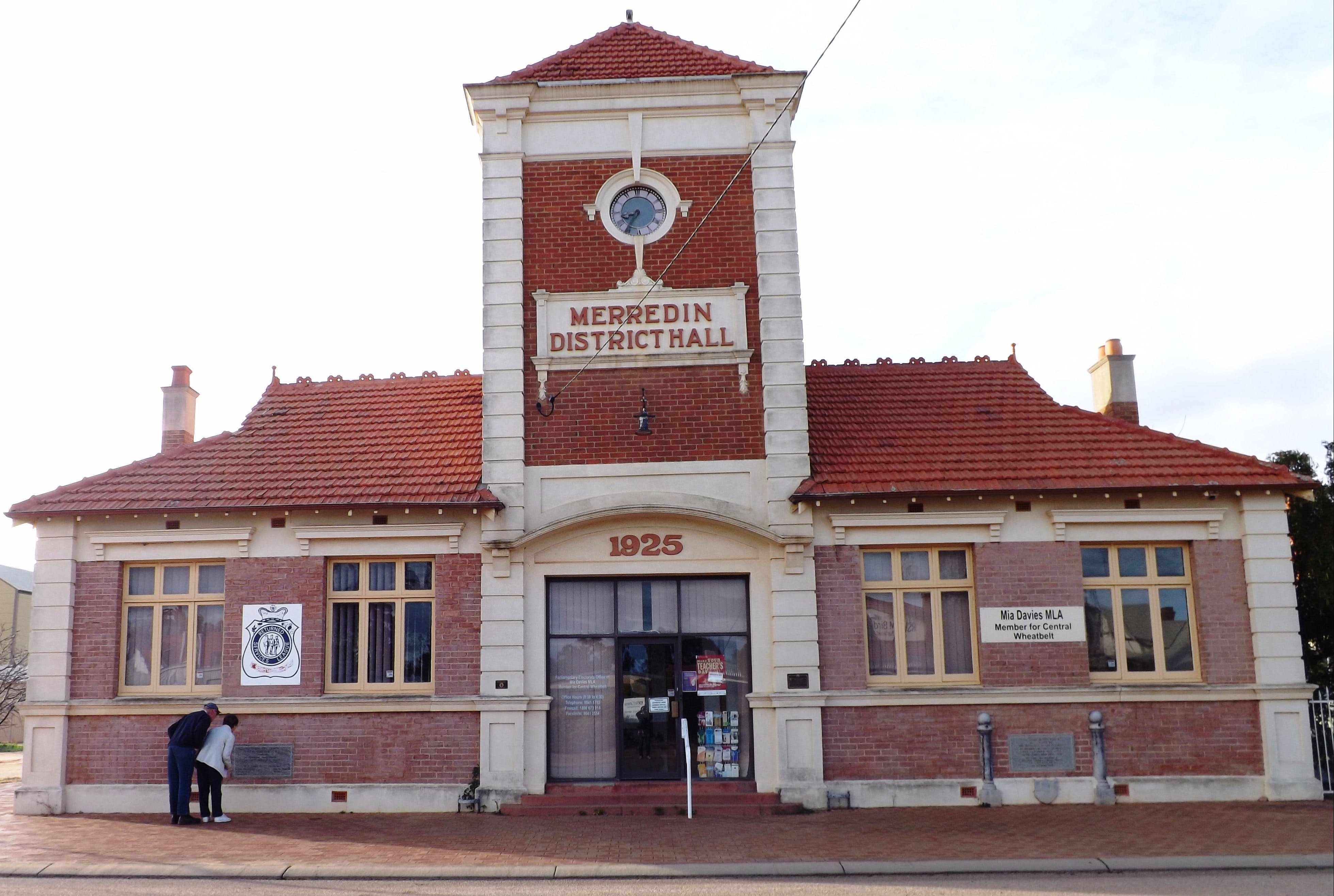 Merredin Town Hall - Carnarvon Accommodation