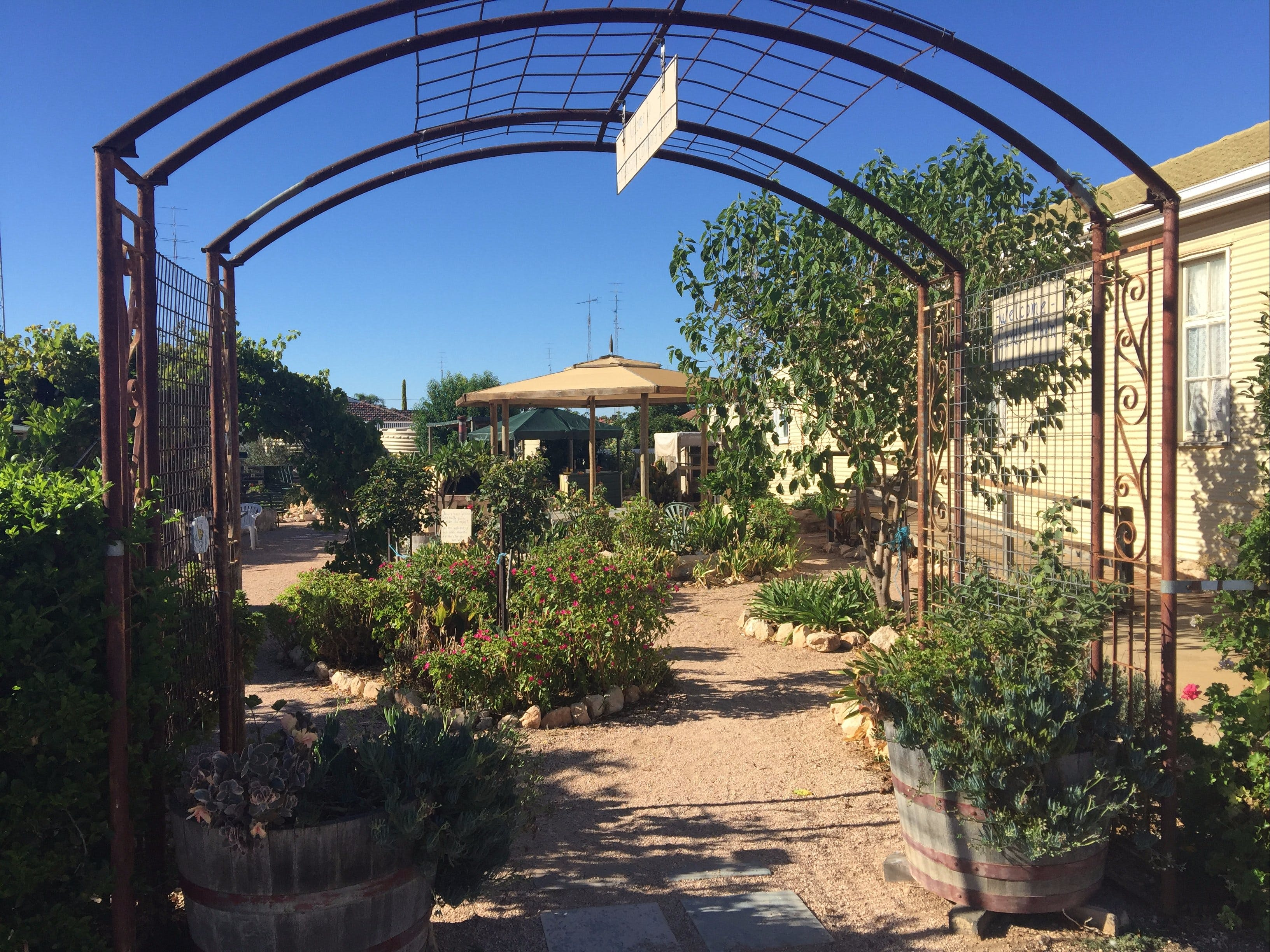 Anglican Community Cafe Limestone Art Gallery  Cornish Garden - Carnarvon Accommodation