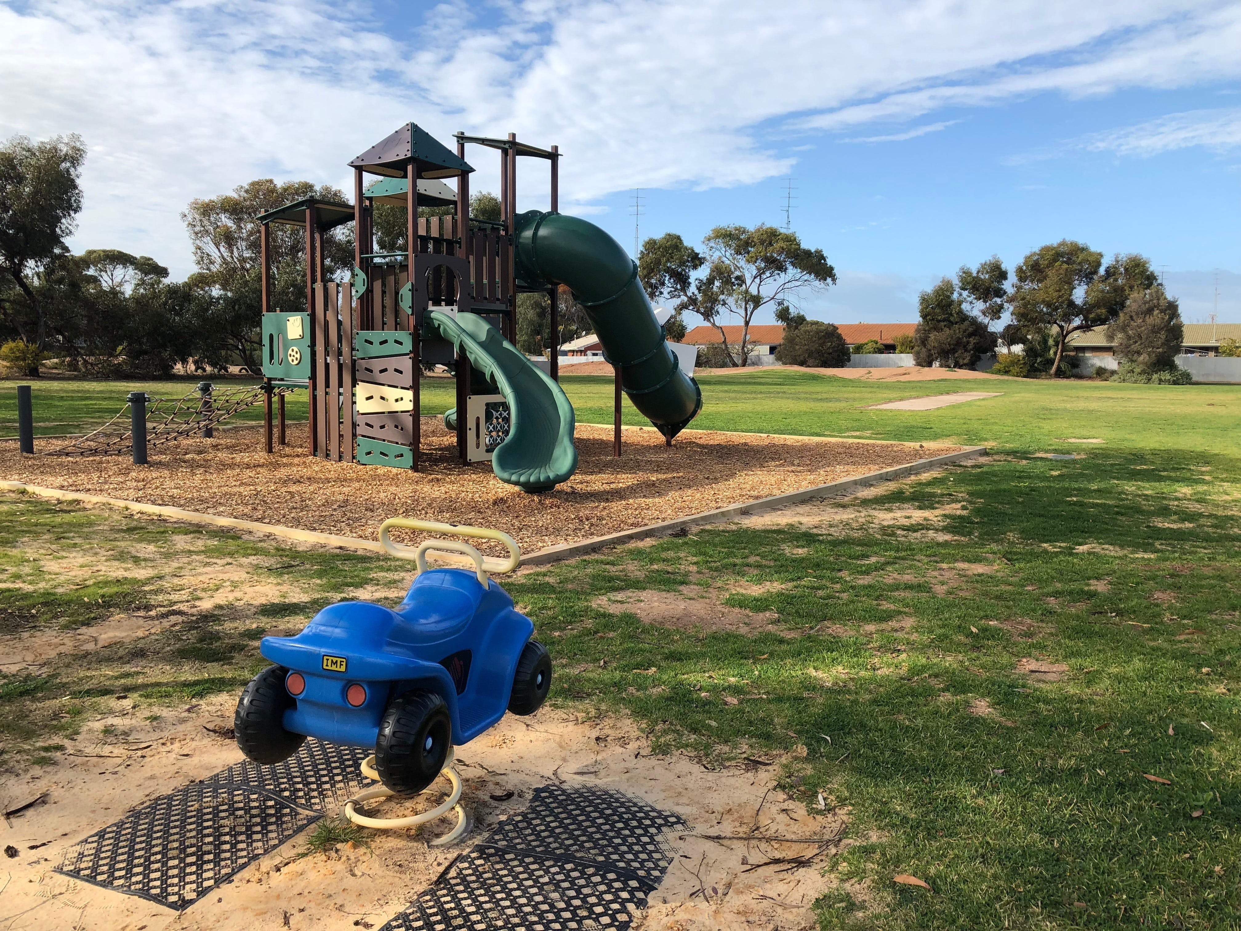 New Town Playground - Carnarvon Accommodation