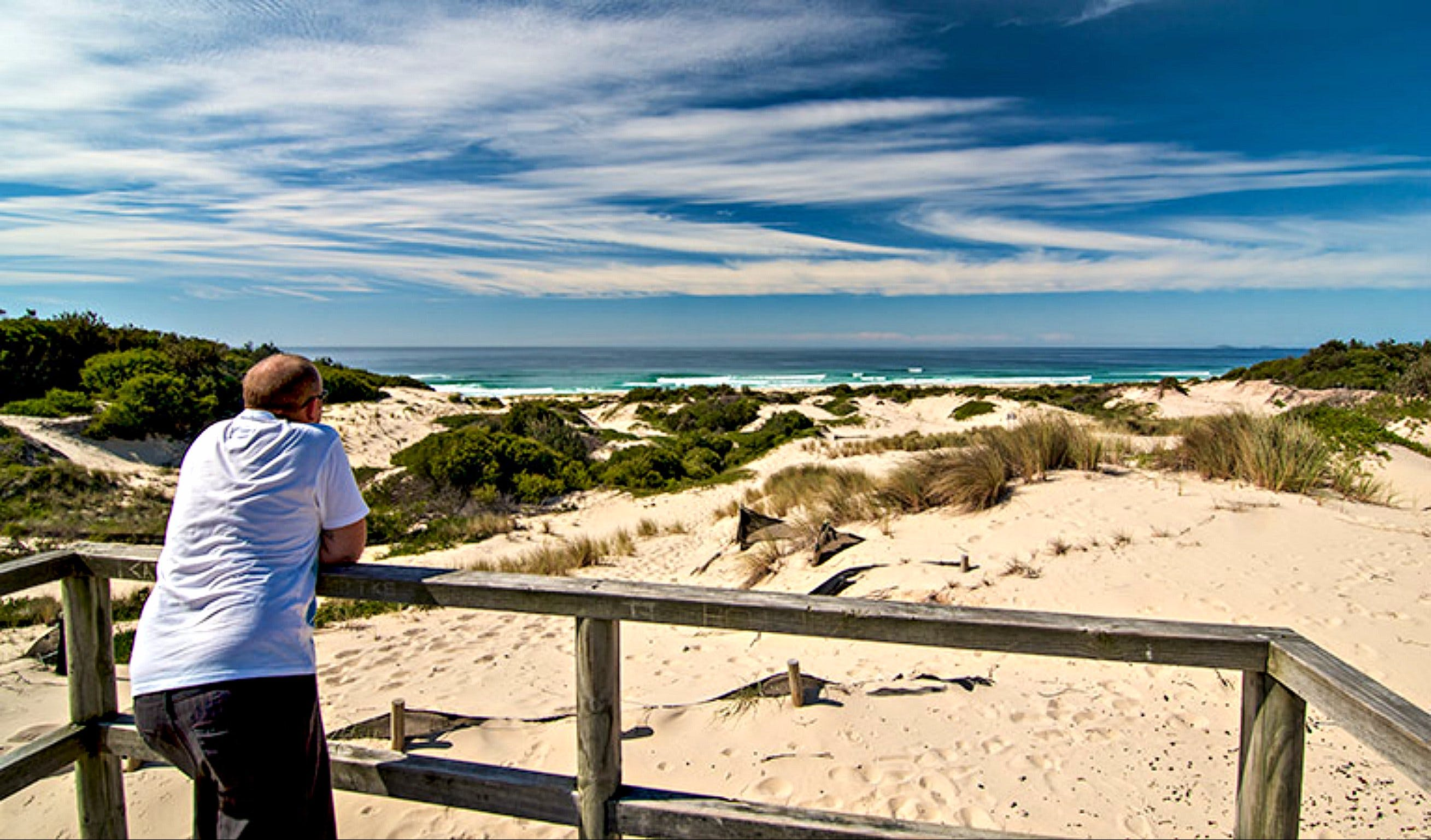 Submarine Beach Walking Track - Carnarvon Accommodation
