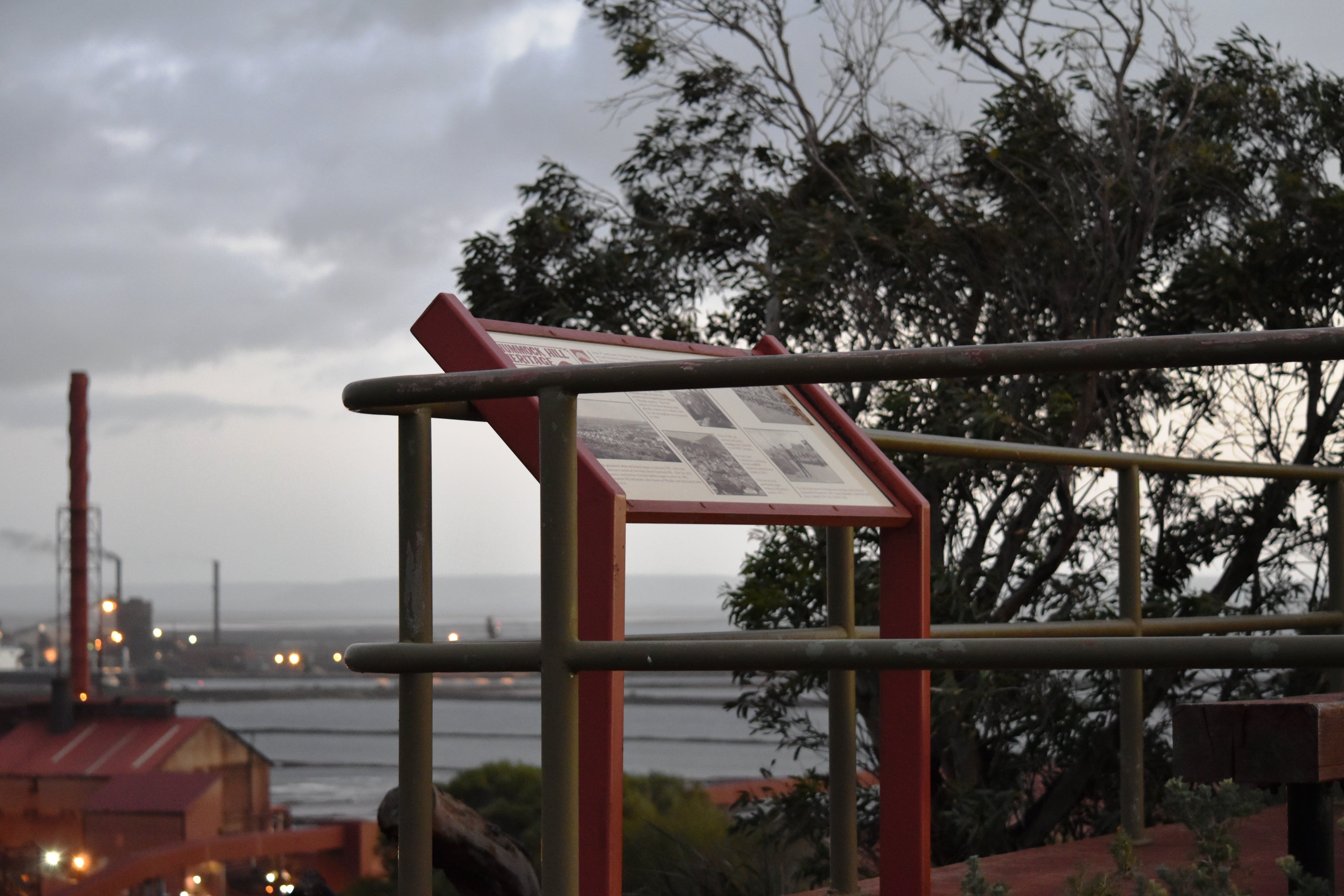 Hummock Hill Lookout - Carnarvon Accommodation