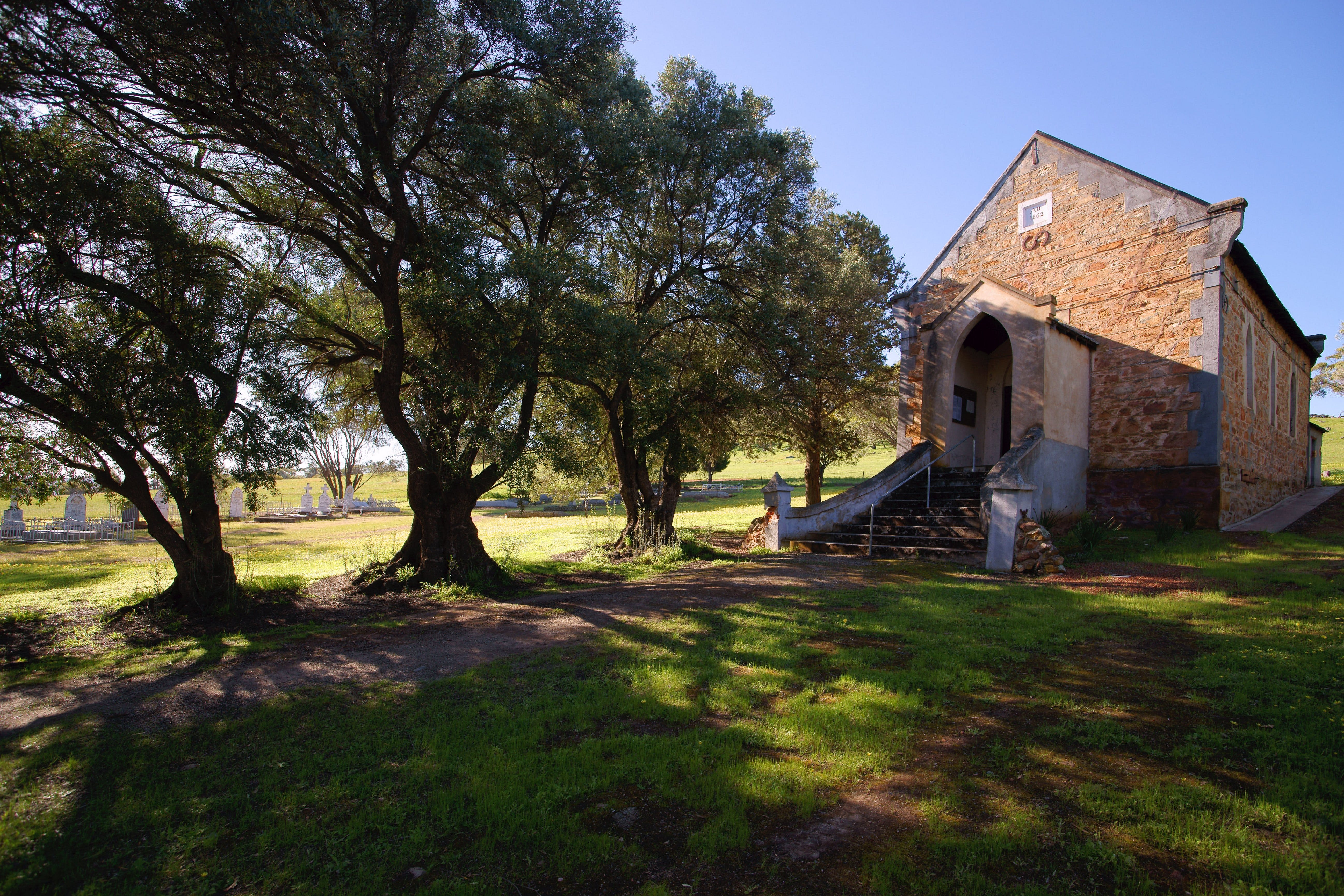 St Saviours Church Katrine - Carnarvon Accommodation
