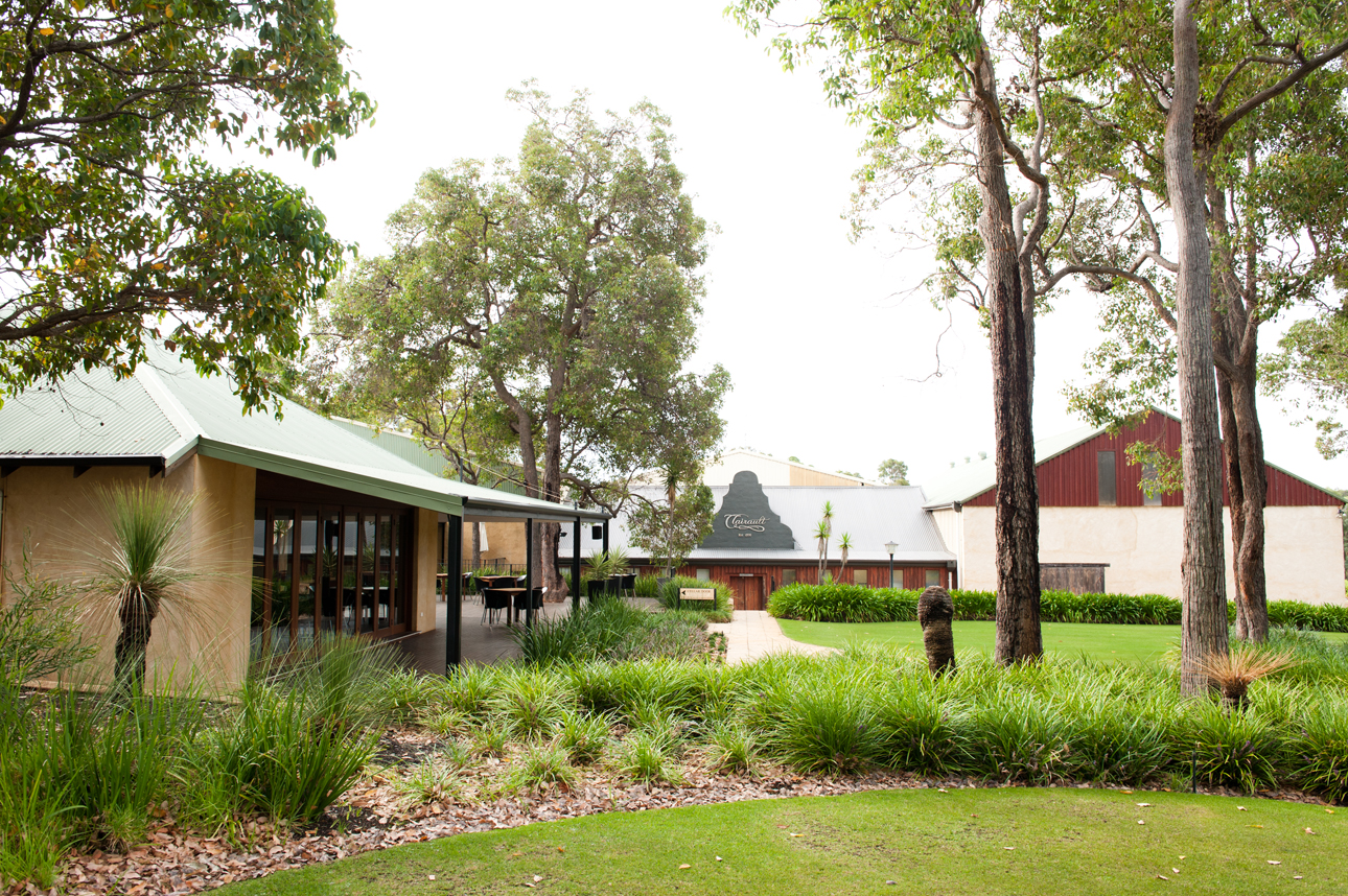 Clairault  Streicker Wines - Carnarvon Accommodation