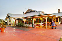 Potters Hotel and Brewery - Carnarvon Accommodation