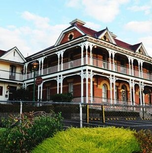 Old England Hotel - Carnarvon Accommodation