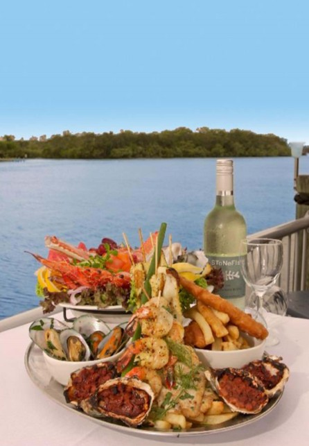 The River Deck On Noosa Marina