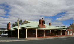 Huntington Tavern - Carnarvon Accommodation