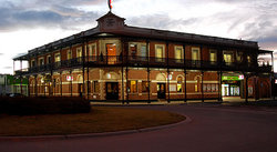 The Grand Terminus Hotel - Carnarvon Accommodation