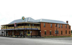 Bundarra Hotel - Carnarvon Accommodation