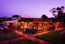 Hotel Flinders - Carnarvon Accommodation