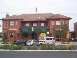 Commercial Hotel Hayfield - Carnarvon Accommodation