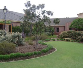 Camden Lakeside Country Club - Carnarvon Accommodation