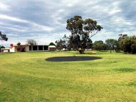 Cleve Golf Club - Carnarvon Accommodation